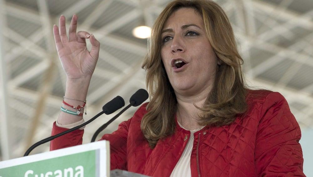 """Susana Díaz: """"Rajoy no puede mirar a los ojos de la gente"""""""