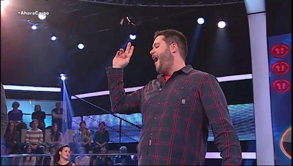 Alberto imita a Raphael en 'Ahora Caigo'