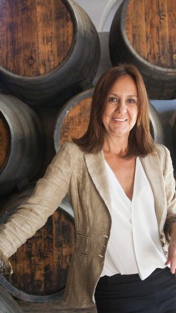 María Dueñas en las bodegas González Byass