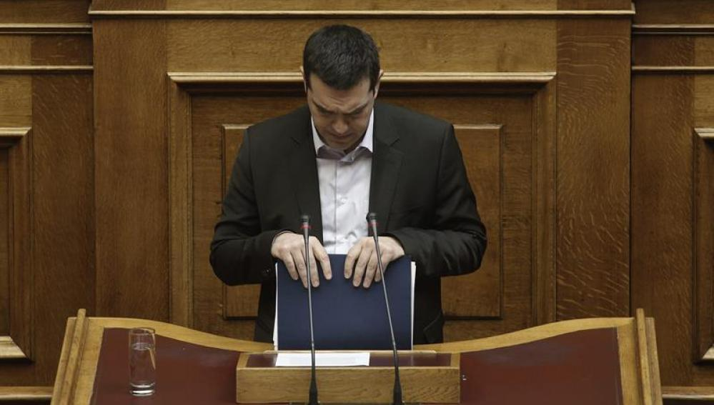 Alexis Tsipras pronuncia su discurso ante el Parlamento de Atenas