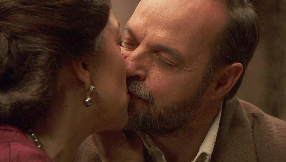 Puente Viejo C1033 - Raimundo a Francisca: 'Me quedaré contigo para siempre'