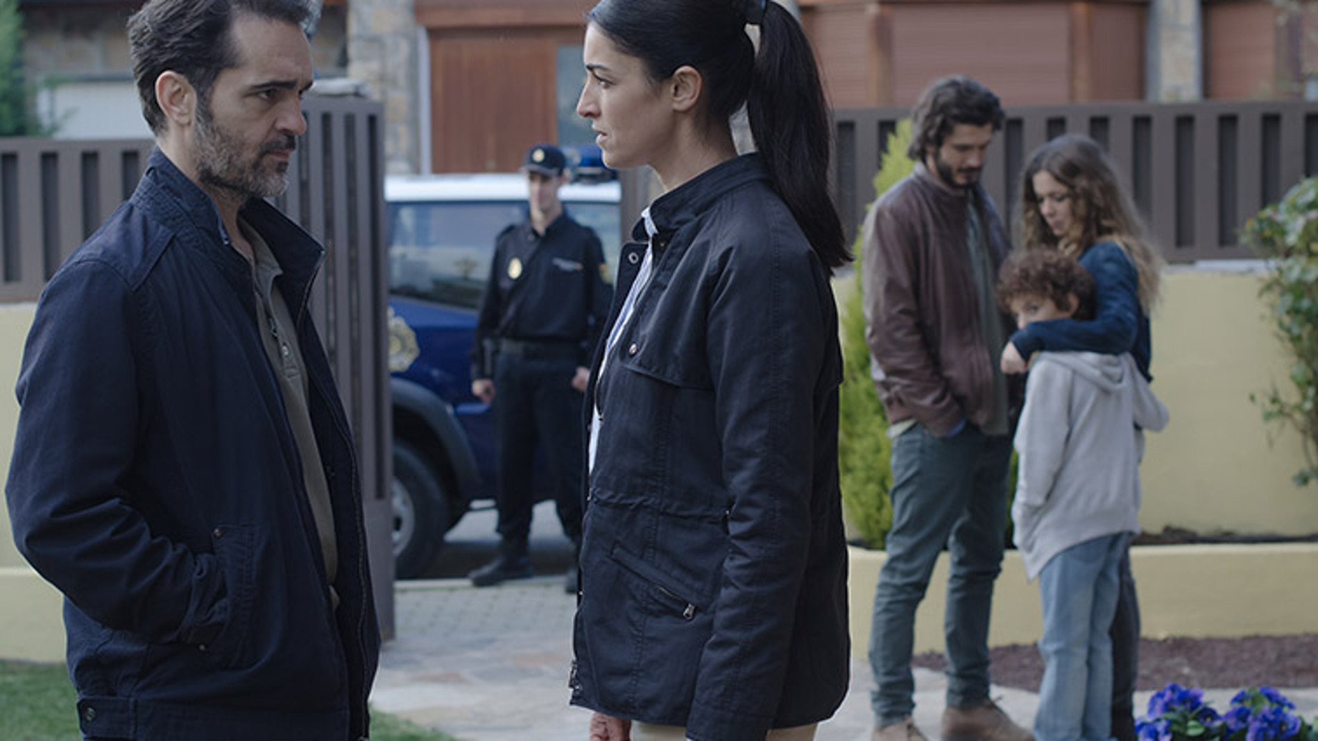 Laura habla con Roberto