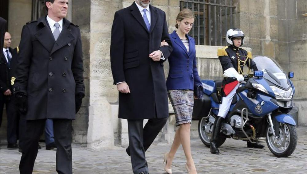 Los Reyes de España cancelan visita de Estado a Francia por el accidente aéreo