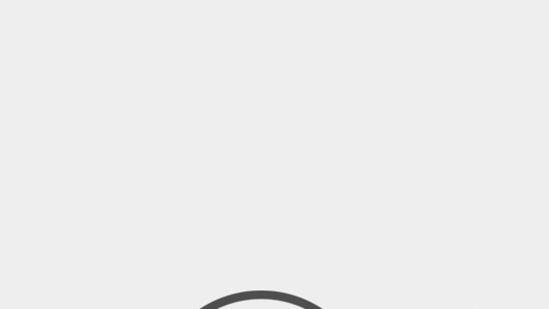 Ryan Reynolds vistiendo el traje de 'Deadpool'