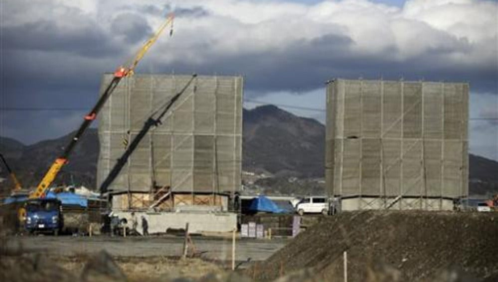 Construyen un muro de hormigón de 400 kilómetros para frenar tsunamis
