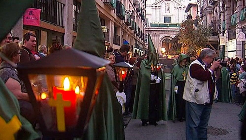 Procesión del 'Santísimo Cristo de los Trabajos' en Valladolid