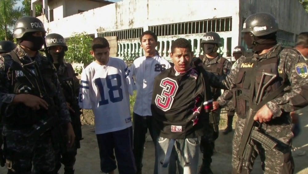 Cruenta guerra entre pandilleros y maras en Honduras