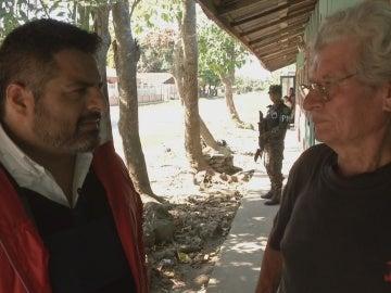 Jalis de la Serna y un vecino de San Pedro Sula