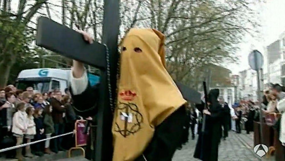 Nuestra Señora de las Angustias marca el Jueves Santo en Ferrol