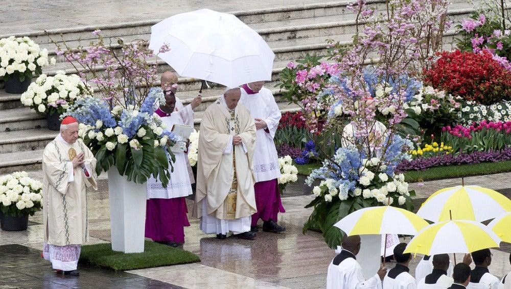 El Papa durante la Misa del Domingo de Resurrección