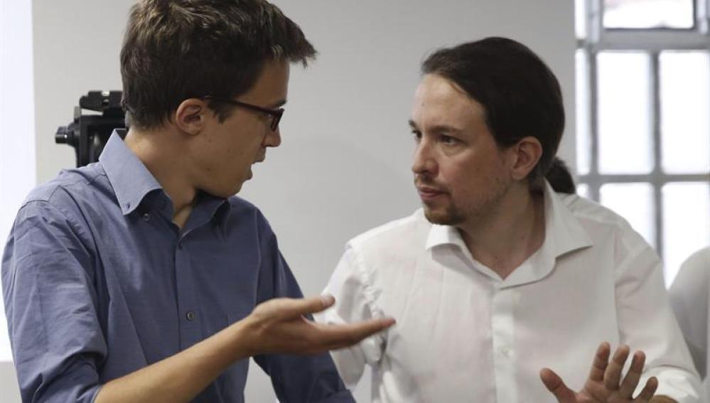 Pablo Iglesias e Íñigo Errejón ante los medios