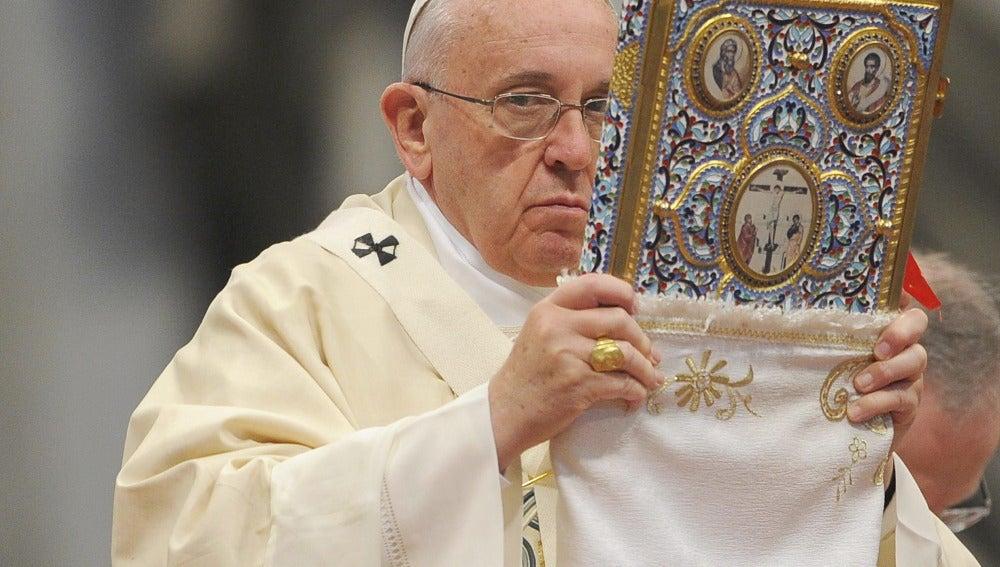 """El papa condena el """"exterminio armenio, el primer genocidio del siglo XX"""""""