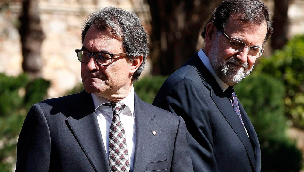 Mariano Rajoy junto a Artur Mas en la reunión de los ministros de Exteriores de la Unión Europea