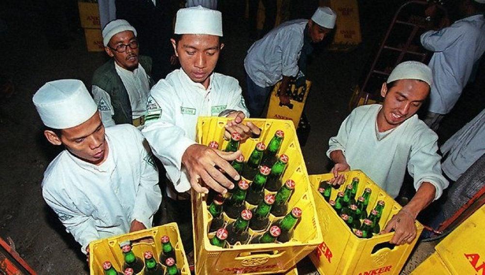 Indonesia estudia penas de hasta dos años de cárcel por beber alcohol