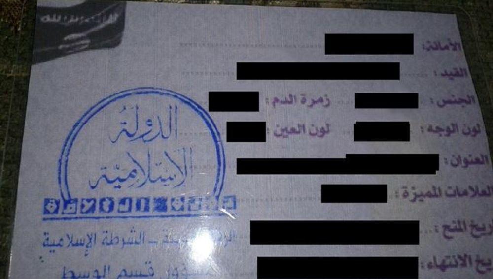 Estado Islámico comienza a distribuir sus propios documentos de identidad en Siria