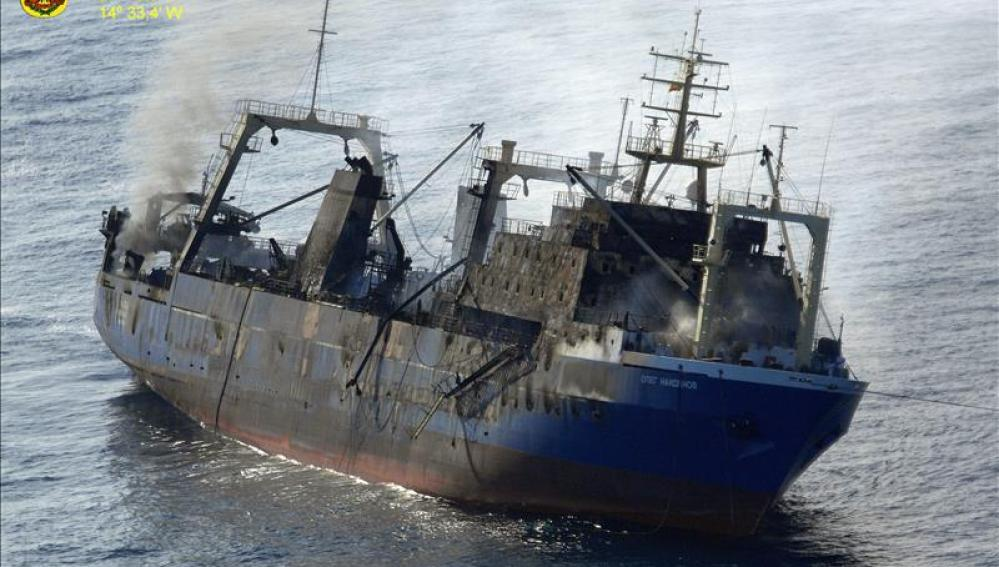 Pesquero que naufragó en Canarias