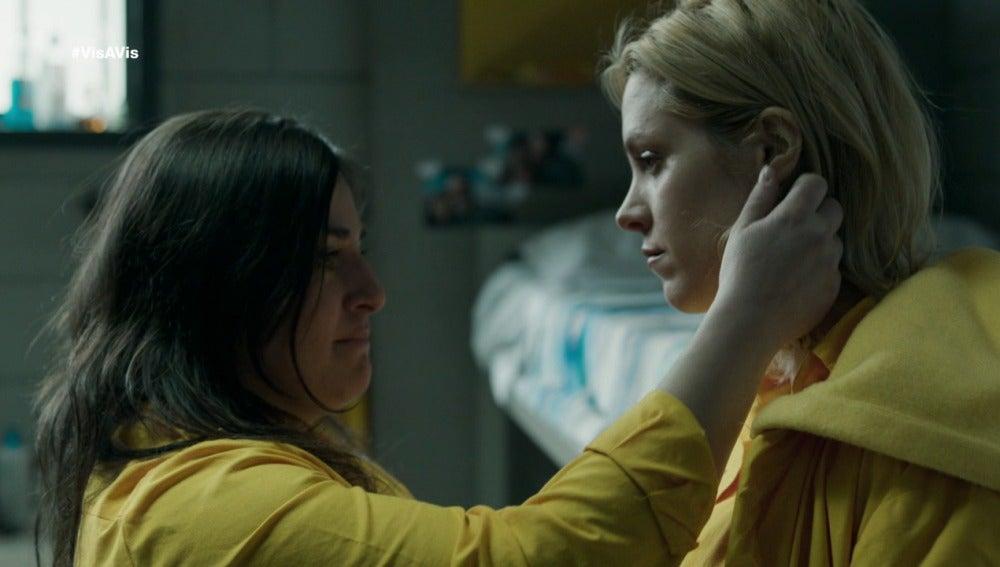Anabel le pide un favor a Macarena