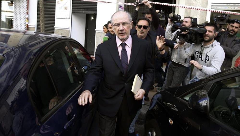 El exvicepresidente del Gobierno Rodrigo Rato a su salida de su despacho