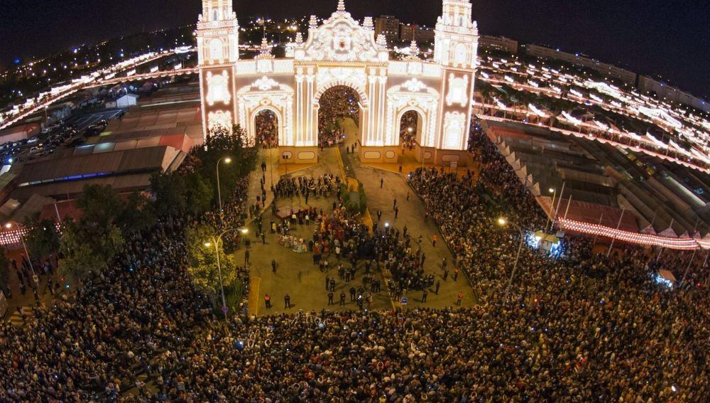 Portada de la Feria de Abril de Sevilla 2015