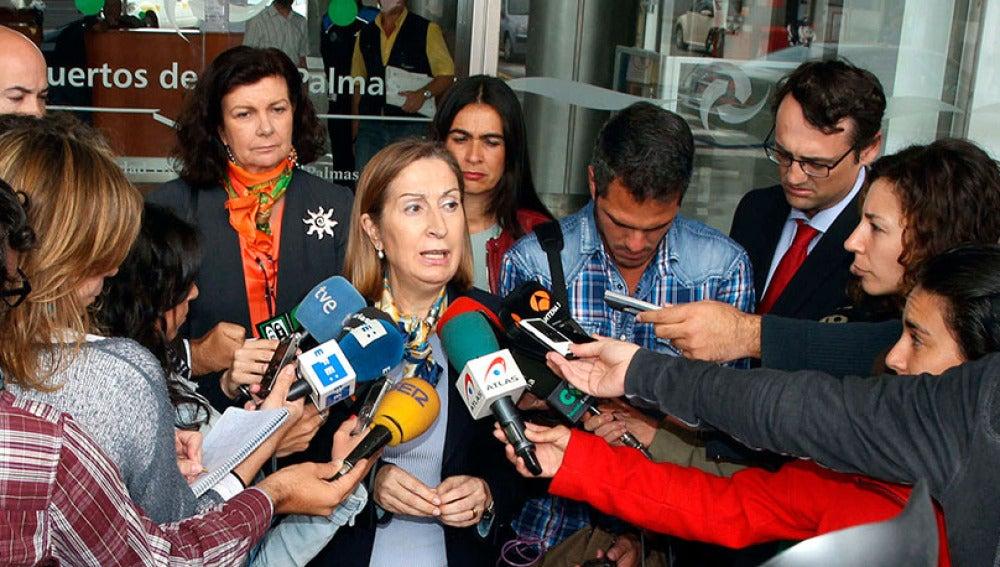 La ministra de Fomento, Ana Pastor, en el Centro de Coordinación de Salvamento de Las Palmas