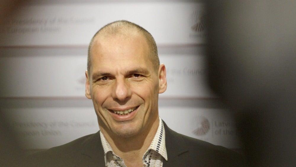 """Varoufakis provoca al Eurogrupo: """"son unánimes en su odio hacia mí"""""""