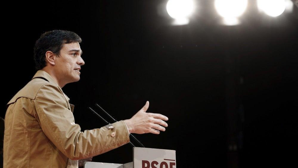 """Pedro Sánchez:""""No puede ser que tengamos un ministro de Hacienda que esté más pendiente de justificar el fraude fiscal del PP que de perseguirlo"""""""