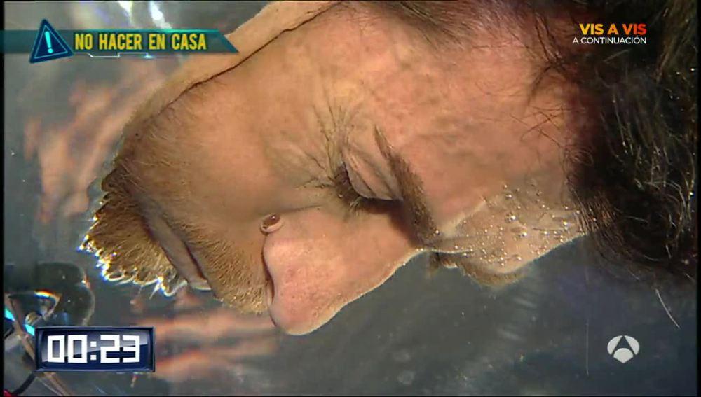 Pablo Motos aguantando la respiración en El Hormiguero 3.0