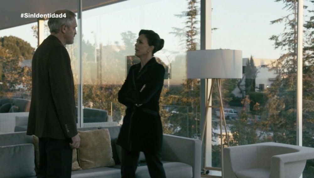 Luisa y Francisco discuten sobre su divorcio