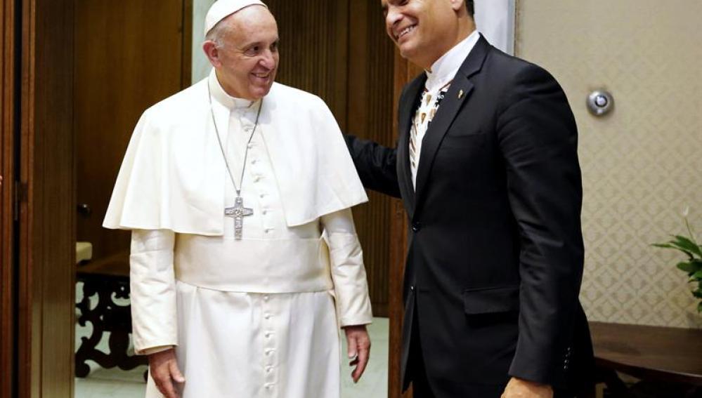 Encuentro entre el Papa Francisco y Rafael Correa, presidente de Ecuador