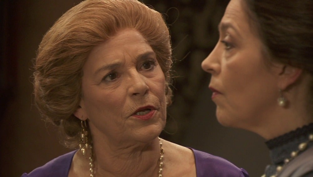 Eulalia se entera que Raimundo vive en La Casona