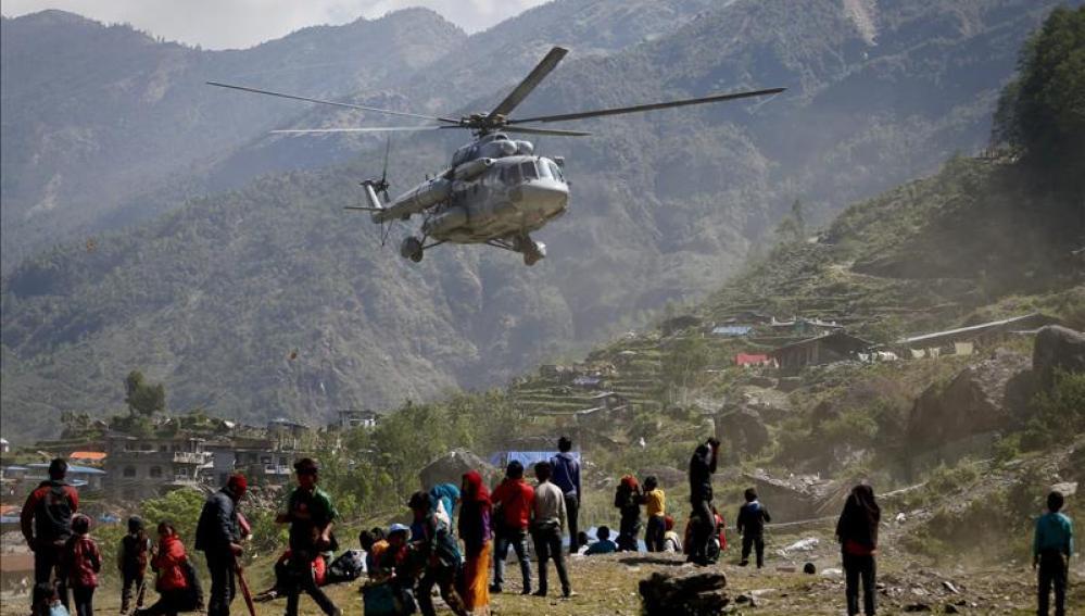Un nepalí de 100 años rescatado con vida