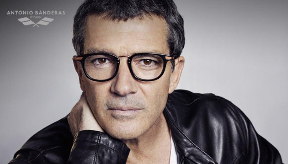 Antonio Banderas diseña su primera colección de gafas