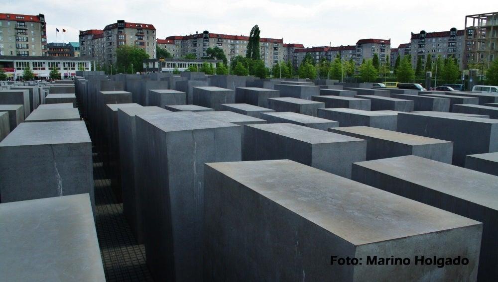 Algunos bloques de hormigón del Memorial del Holocausto, en Berlín. Foto:Marino Holgado