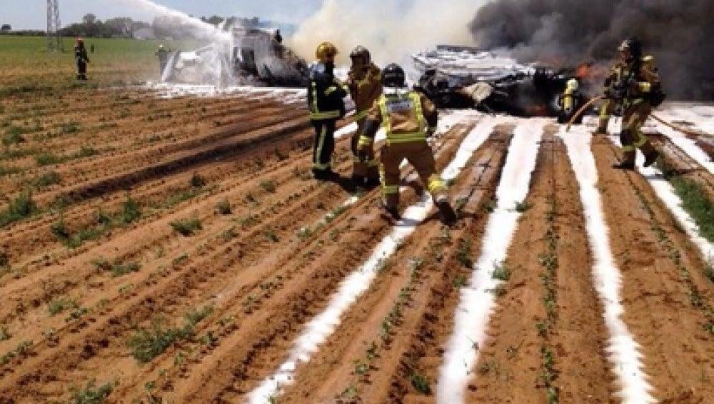 Un Airbus se estrella a un milla del Aeropuerto de Sevilla