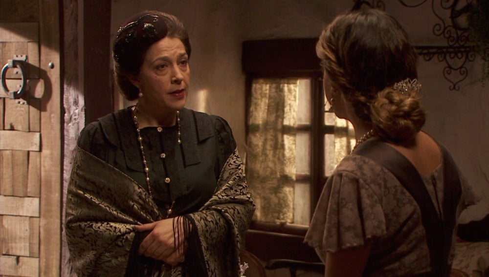 Francisca pide a Emilia que se reconcilie con Raimundo