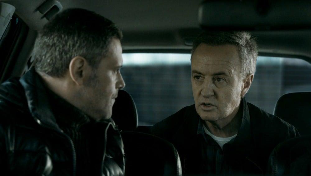 El inspector Castillo presenta a Fabio y Leopoldo