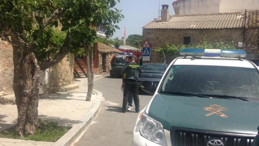 Guardia Civil frente a la guardería