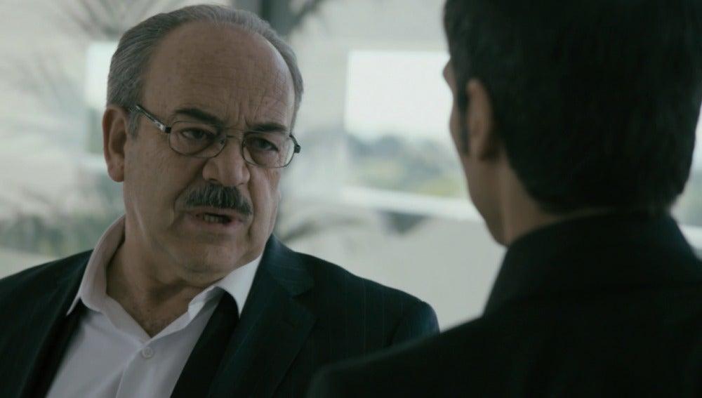Enrique le pide a Álex que desaparezca