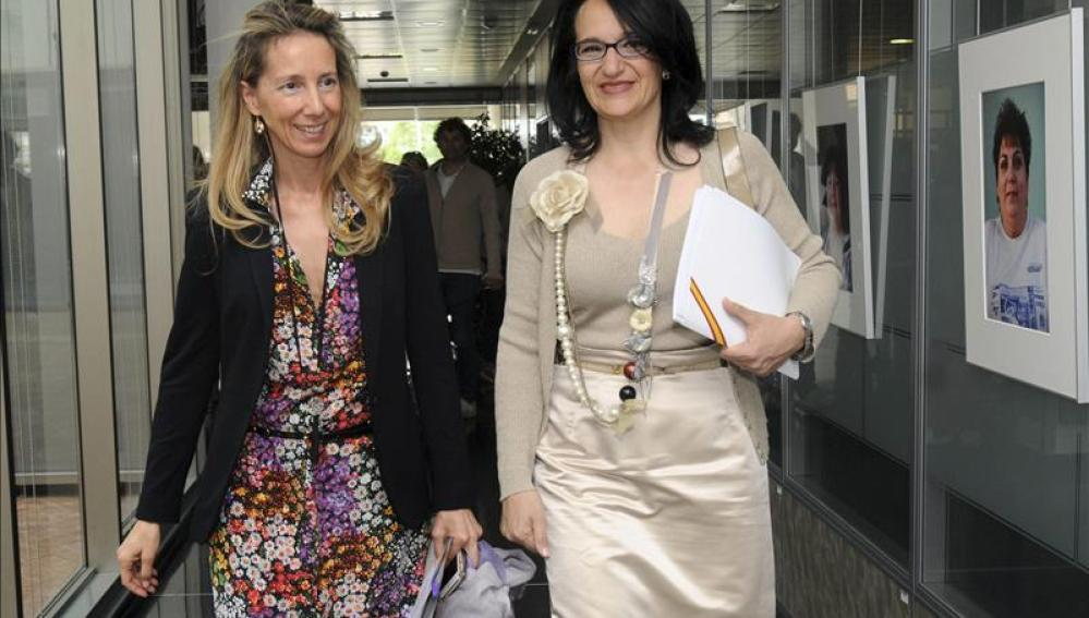 La directora del Centro de Referencia Estatal (CRE) y  la subdelegada del Gobierno en León durante la presentaciónLa directora del Centro de Referencia Estatal (CRE) y  la subdelegada del Gobierno en León durante la presentación