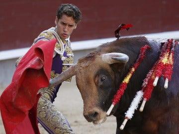 """Posada de Maravillas"""" da un pase a uno de sus astados en el undécimo festejo de la Feria de San Isidro en Las Ventas"""