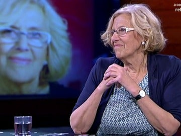 Manuela Carmena visita el plató de 'El Intermedio'