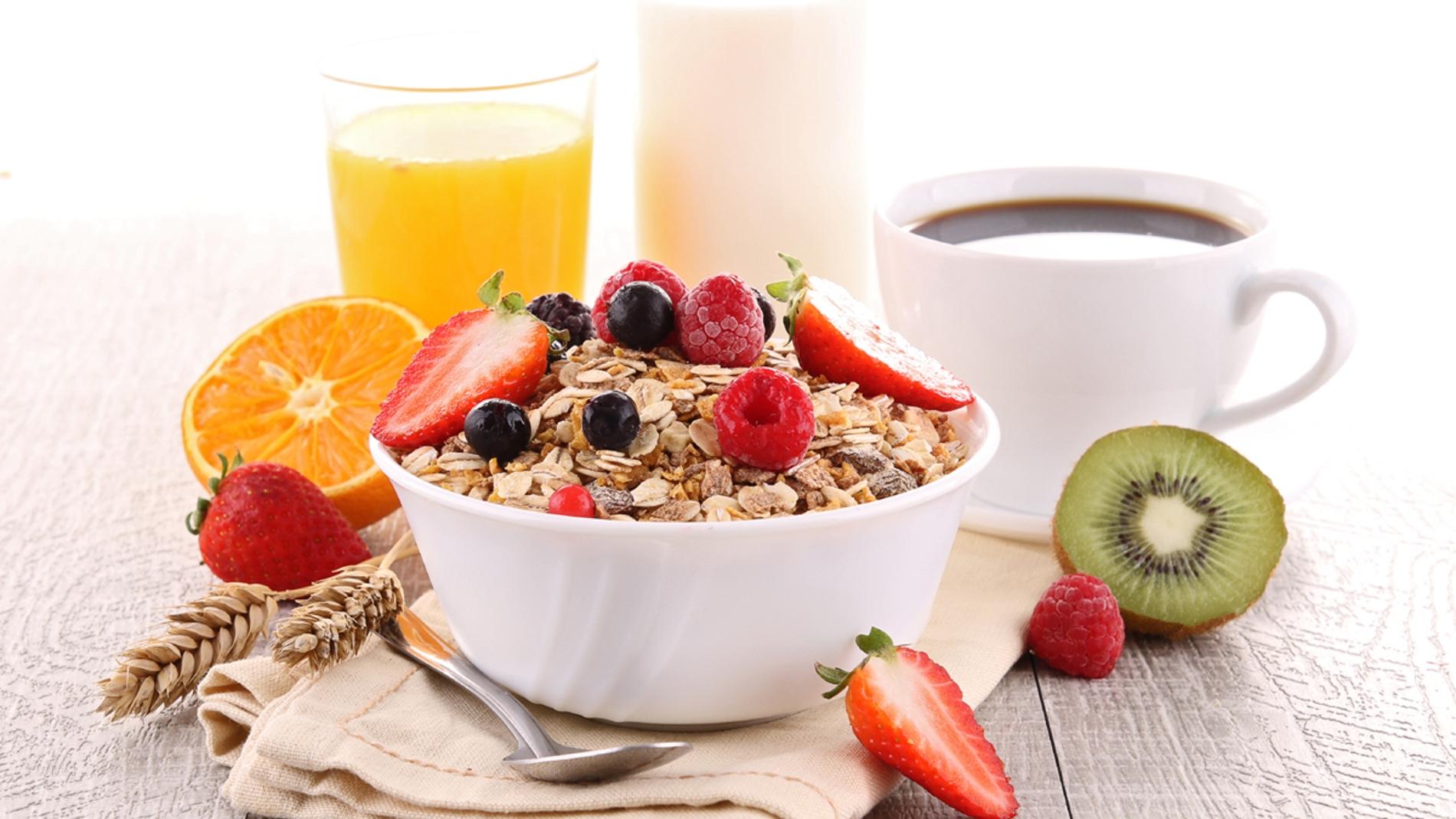 ¿Es bueno desayunar fruta?