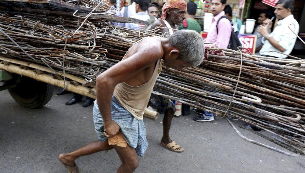 Los muertos por la ola de calor de la India superan ya los 2.000