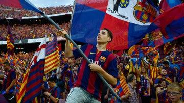 La afición blaugrana anima al Barça