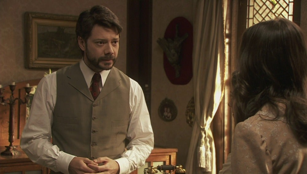 Lucas localizará al doctor que trató a Amalia