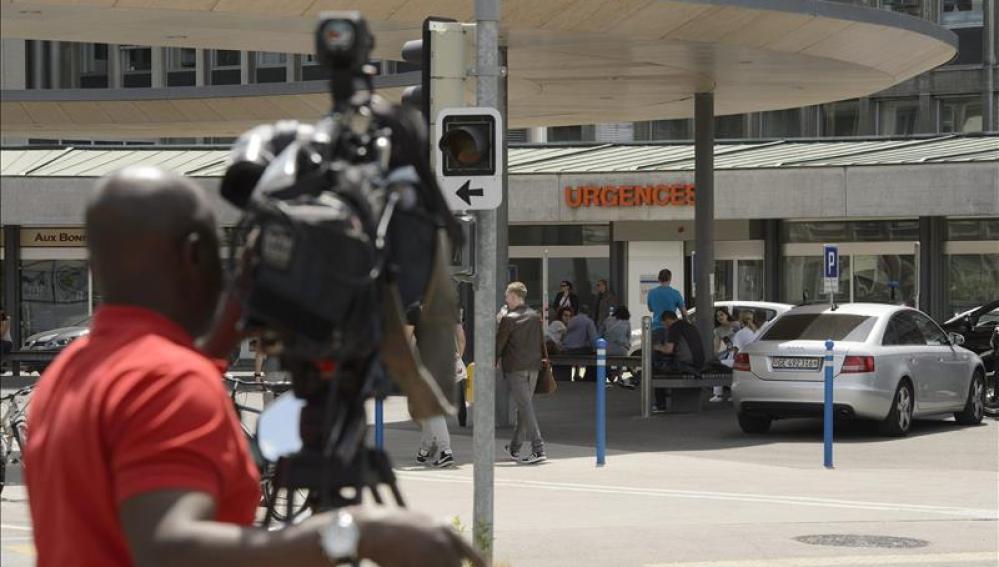 Entrada de urgencias del hospital de Ginebra en el que fue ingresado el secretario de Estado de EEUU.