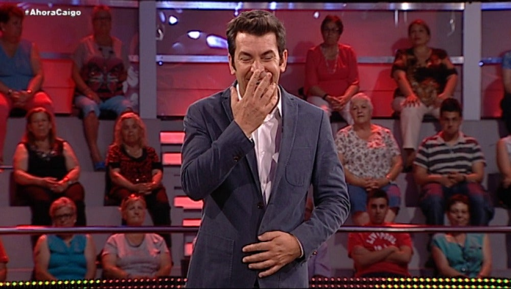 Arturo Valls muerto de risa