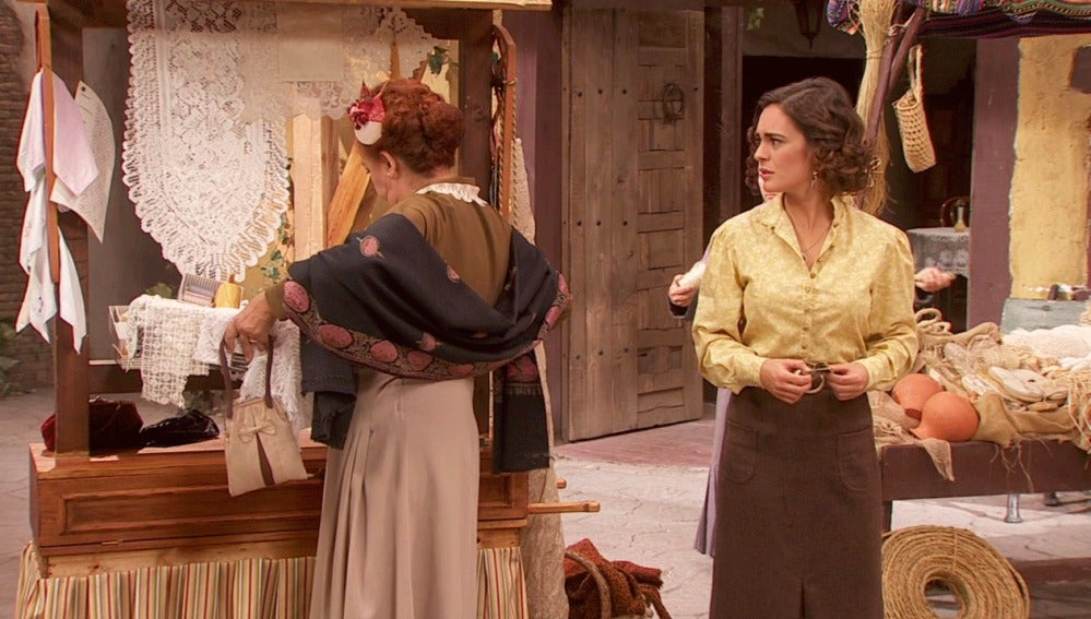 Dolores emplea todas sus artimañas para que Gracia se vaya