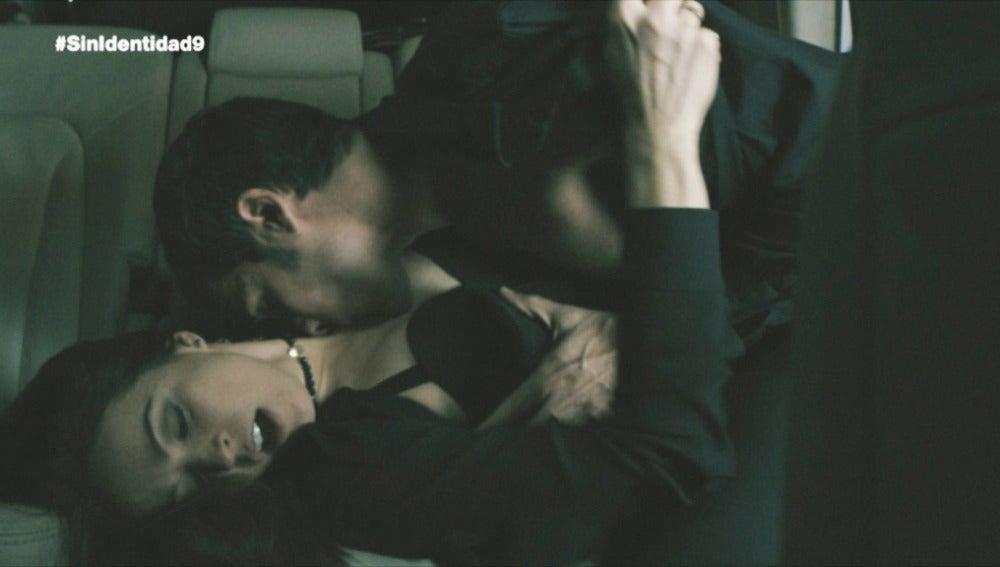 Amparo y Álex tienen sexo