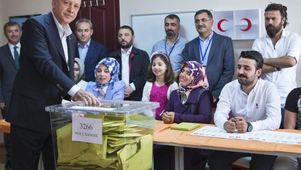 Jornada electoral en Turquía marcada por los incidentes